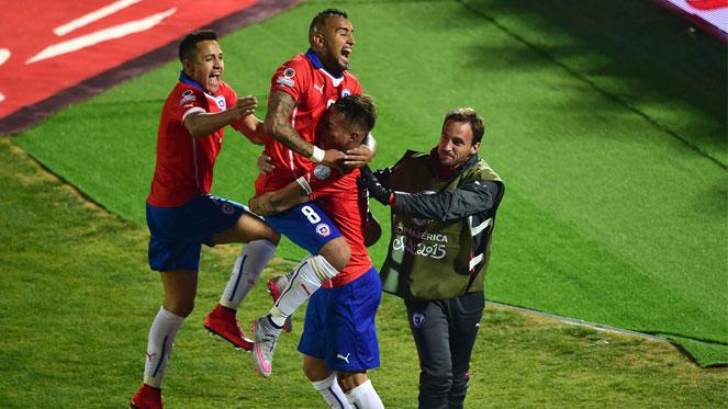 ชิลี 2-1 เปรู : เจ้าภาพเข้าชิงชนะเลิศศึก โคปา อเมริกา 2015