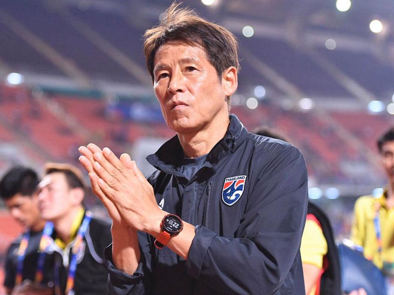 อากิระ นิชิโนะ เผยสาเหตุที่ต้องเปลี่ยนผู้เล่นถึง 7 คนเกมเสมอ อิรัก