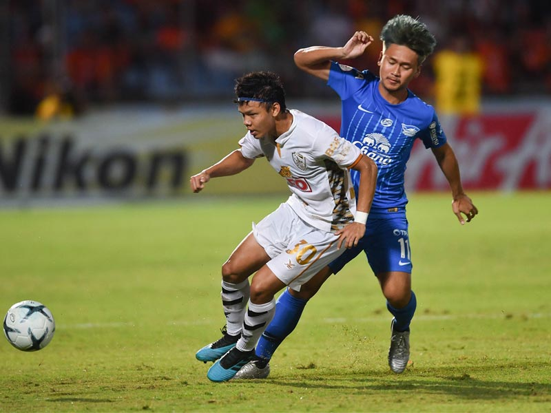 ไทยลีก : ชลบุรี เอฟซี 0-2 สิงห์ เชียงราย