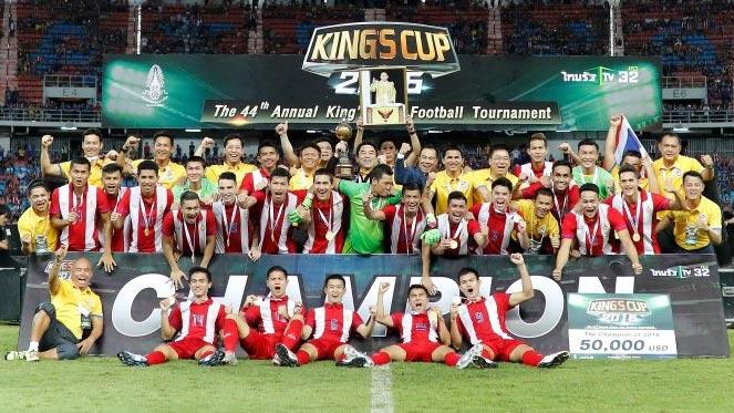 ทีมชาติไทย - โค้ชซิโก้ขอถวายแชมป์แด่พระเจ้าอยู่หัว ลั่นไทยขอสู้ตายในบอลโลกรอบคัดเลือก