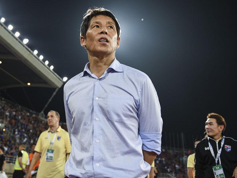 อากิระ นิชิโนะ ปลื้มแข้ง ทีมชาติไทย รวมพลังสู้จนล้ม ยูเออี ได้สำเร็จ