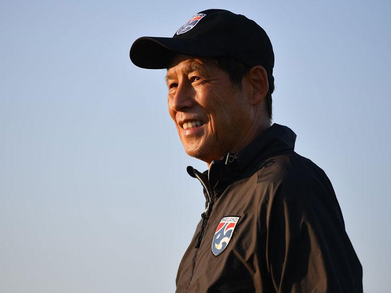 อากิระ นิชิโนะ ตั้งเป้าพา ทีมชาติไทย เข้ารอบ 12 ทีมสุดท้าย