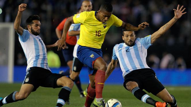 อาร์เจนตินา 0-2 เอกวาดอร์ : ฟ้าขาว ไม่น้อยหน้า บราซิล