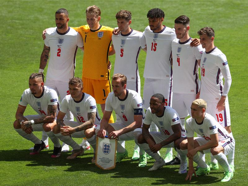 เชื่อพี่ !! ตำนาน ทีมชาติอังกฤษ แนะห้ามดรอป 2 แข้งนี้เด็ดขาด